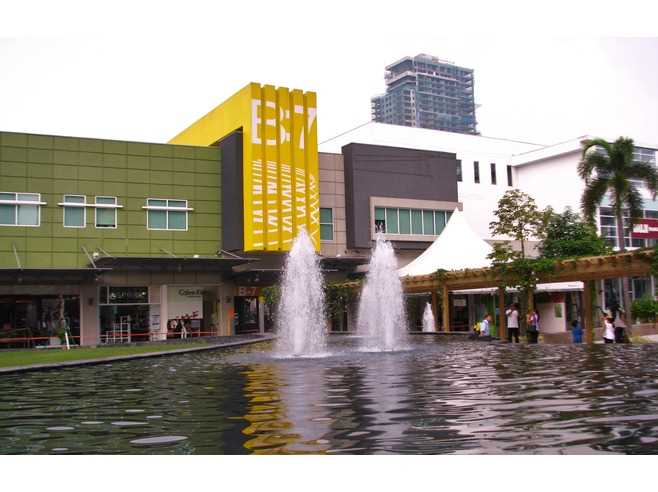 Bonifacio High Street B7