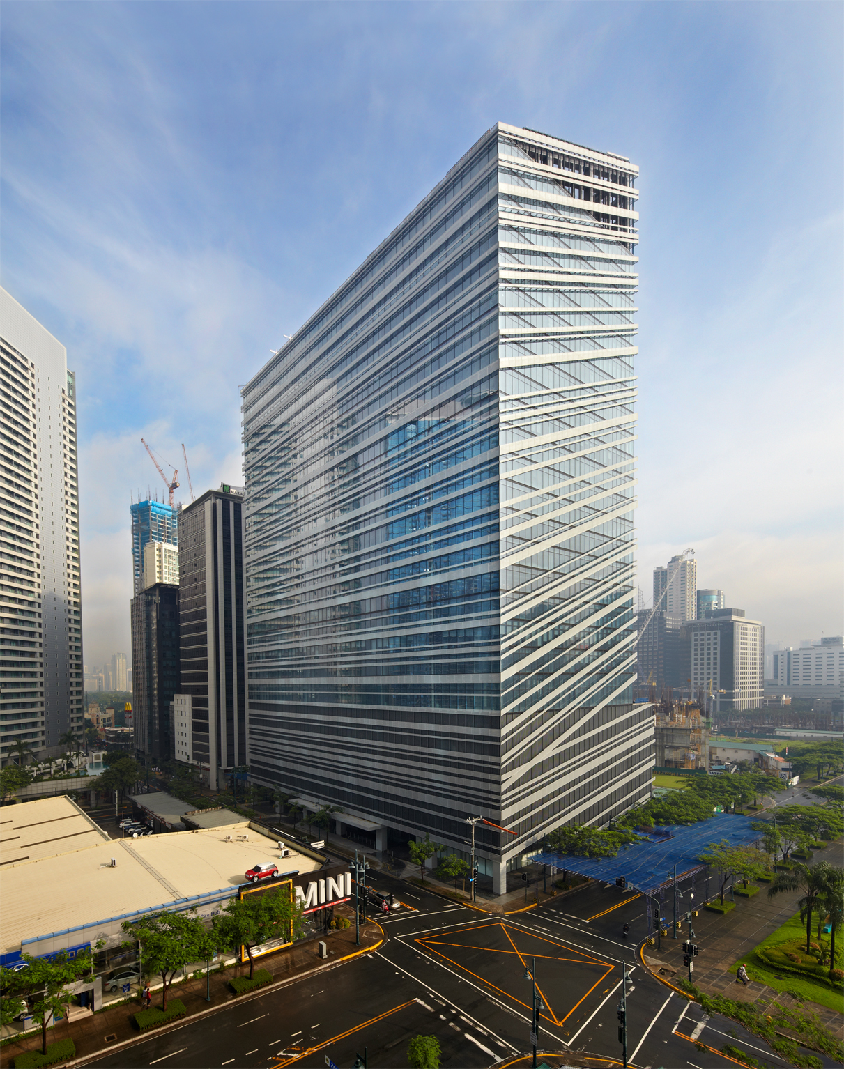 Why Move to a Net Lima Office Space in Bonifacio Global City